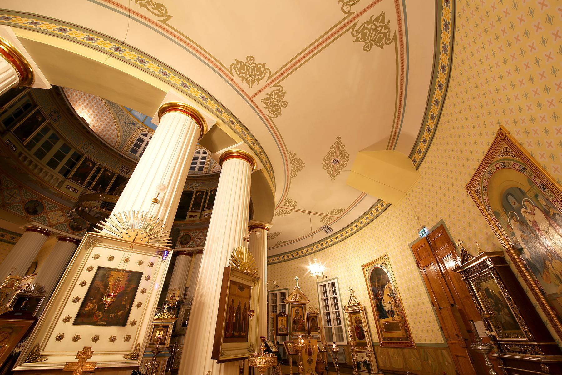 Lūgšanu zāle Ņevska baznīcā 005