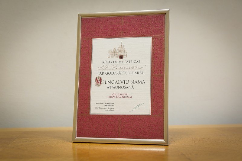2000-restoration-acknowledgements-from-riga-municipality-house-of-blackheads-8095