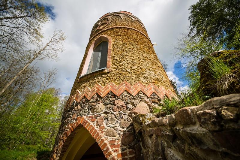 Restaurētais Remtes medību tornis 002