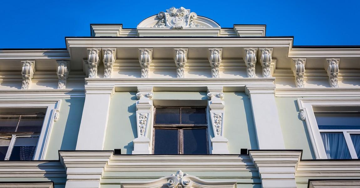 Pabeigta fasādes restaurācija Rīgā, Skolas ielā 36a