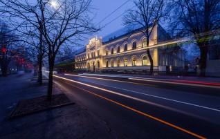 Восстановлен фасад Первой Рижской гимназии