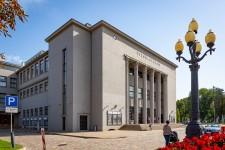 [02] Fasāde pēc atjaunošanas (Vienības nams Daugavpilī)