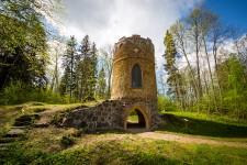 Restaurētais Remtes medību tornis 001